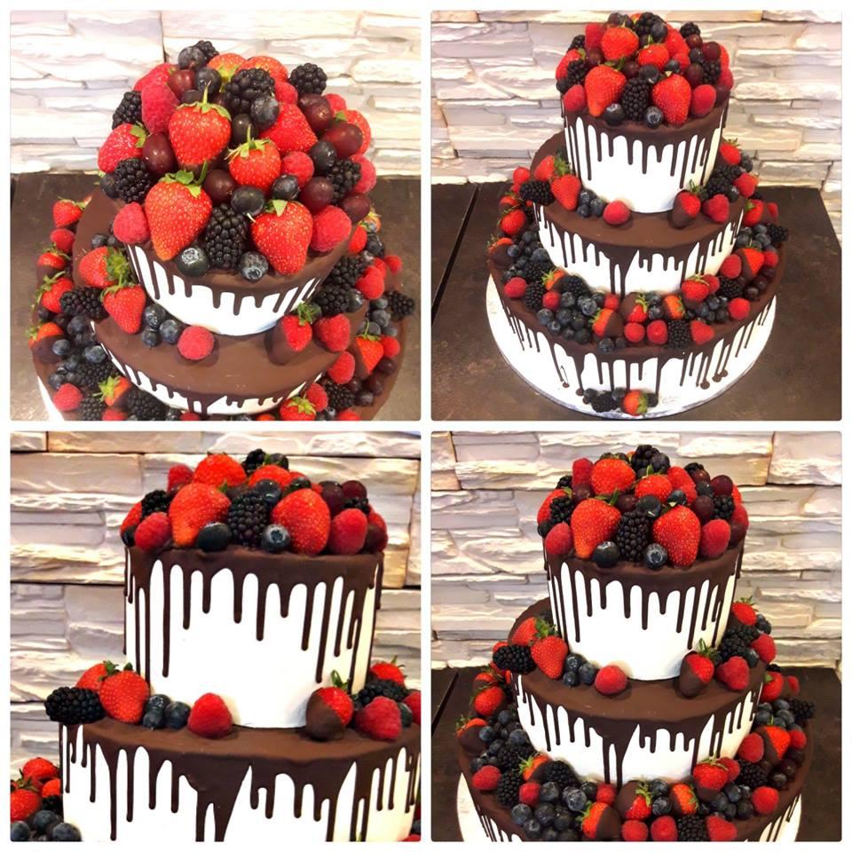 """Torte """"Naked Cake  mit Macaron,Blumen und Schokodrip"""